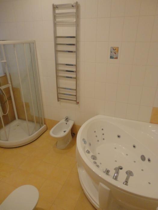 продажа трехкомнатной квартиры номер A-74034 в Приморском районе, фото номер 9